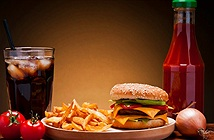 Tác hại khủng khiếp chưa bao giờ được biết đến khi ăn fastfood
