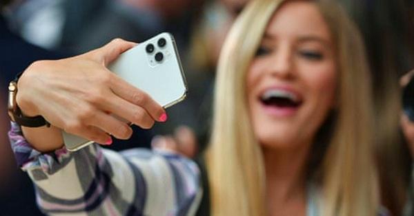 """Cả iPhone lẫn smartphone Android liên tục giảm giá """"câu khách"""""""