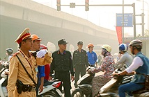 Hà Nội cấm đường khi đoàn xe hộ tống Tổng thống Obama đi qua