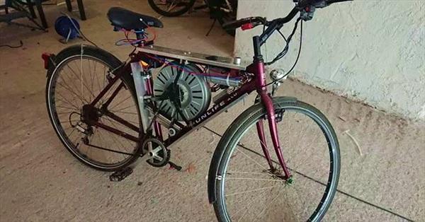 Chế xe đạp điện từ máy giặt cũ, tốc độ hơn 110 km/h, tăng tốc lên 65km/h chỉ trong 40 giây