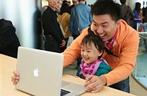 Độc đáo chiêu dụ dỗ người dùng chạm vào MacBook của Apple