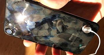 """Mặt lưng trên iPhone 7 Jet Black bị """"tố"""" dễ bong thông tin ghi chú"""