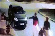 Cầm súng đi cướp, tên cướp té ngửa khi biết thân thế nạn nhân