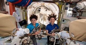 Đội nữ phi hành gia NASA đi bộ ngoài không gian có gì đặc biệt?