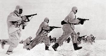 19/11/1942 - Hồng quân Liên Xô phản công và bao vây quân Đức tại Stalingrad
