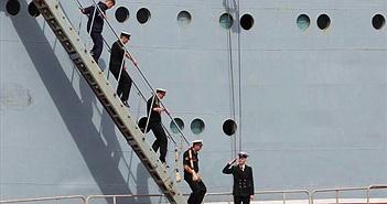 Vì sao thủy thủ Nga từ tàu Mistral đột ngột về nước?