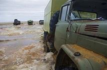 Băng tan ở Bắc Băng Dương, nhiều xe quân sự lộ diện