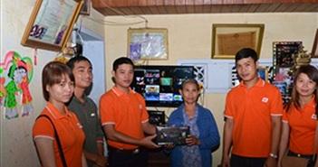 FPT Telecom hỗ trợ đầu thu truyền hình số cho hộ chính sách tại Quảng Nam