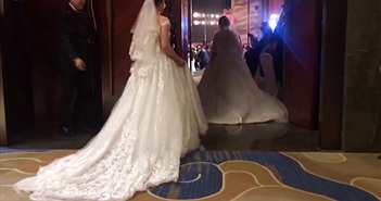 Cưới con gái, mẹ cùng mặc váy cô dâu và lý do rưng rưng...