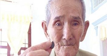 """""""Thầy rắn"""" 95 tuổi nắm giữ bảo bối giải độc rắn cực linh nghiệm"""
