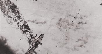 Bàng hoàng cảnh máy bay bị bắn cháy trong CTTG 2
