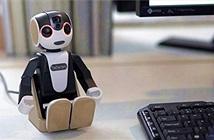 Robot kiêm smartphone Sharp Robohon bán ra từ 26/5