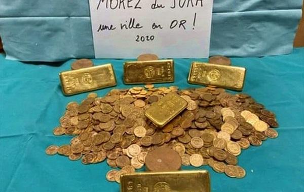 Tìm thấy kho báu toàn vàng thỏi tại căn nhà bỏ hoang