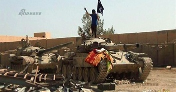 """Bằng chứng lính Iraq """"chạy tháo thân"""" khỏi IS ở Ramadi"""