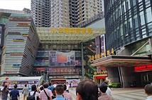 Cảnh tấp nập ở một trong những chợ công nghệ lớn nhất thế giới