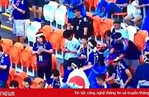 Cổ động viên Nhật nhặt rác sau trận đấu với Colombia ở World Cup, MXH phát sốt
