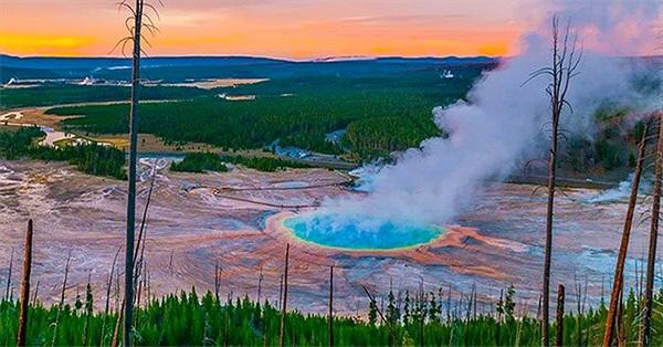 Vết nứt lan rộng tại siêu núi lửa hoạt động mạnh nhất thế giới - các chuyên gia nói gì?