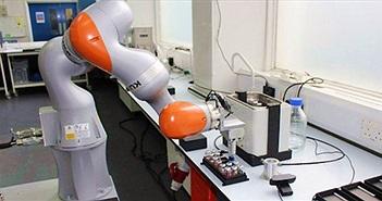 """""""Nhà khoa học robot"""" năng suất làm việc gấp 1000 lần con người"""