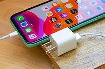 Bán iPhone trần, Apple bảo vệ môi trường hay tham lam?