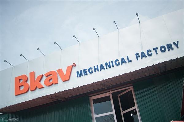 Tham quan nhà máy sản xuất Bphone của BKAV