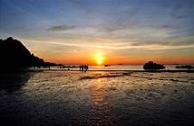 """""""Mục sở thị"""" bãi biển đẹp bậc nhất vùng Bắc Trung Bộ"""