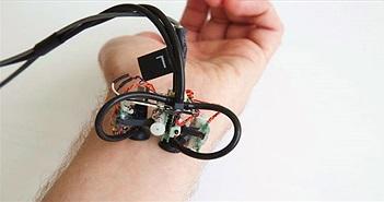 Robot tí hon vừa massage vừa tầm soát ung thư da