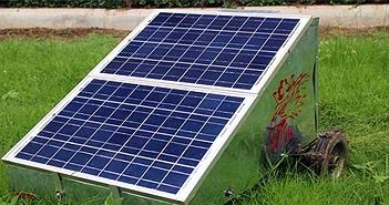 Sinh viên Thái chế máy cắt cỏ bằng năng lượng mặt trời