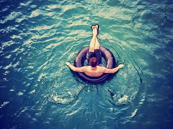 Lạ kỳ lúc ngủ vẫn trên cạn, thức dậy lênh đênh giữa biển khơi