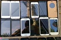 iPhone 6S được bán dạo trên vỉa hè Sài Gòn
