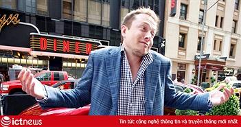 Elon Musk lỡ tay đăng số điện thoại lên mạng khi cố liên lạc với Giám đốc Facebook