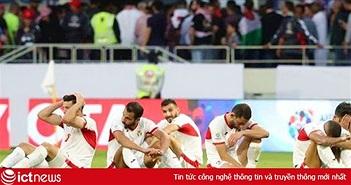 """Đáng thương hình ảnh cầu thủ Jordan gục đầu khóc sau quả luân lưu định mệnh của """"Tư Dũng"""""""
