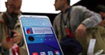 eBay chào bán LG V30 Referbished với mức giá 200 USD