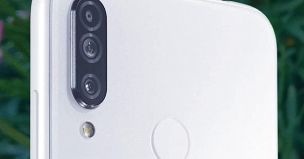 Điện thoại siêu độc có thể cấm chụp ảnh khỏa thân