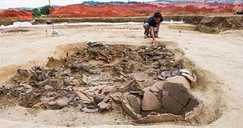 """Xây nhà, đào được… """"hoàng tử ma"""" 2.700 tuổi trên xe ngựa đầy châu báu"""