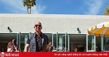 """Amazon chính thức trở thành công ty lớn thứ 2 thế giới, sắp sửa """"soán ngôi"""" Apple?"""