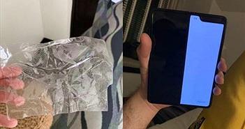 Không nên dán màn hình Galaxy Fold sẽ mất bảo hành