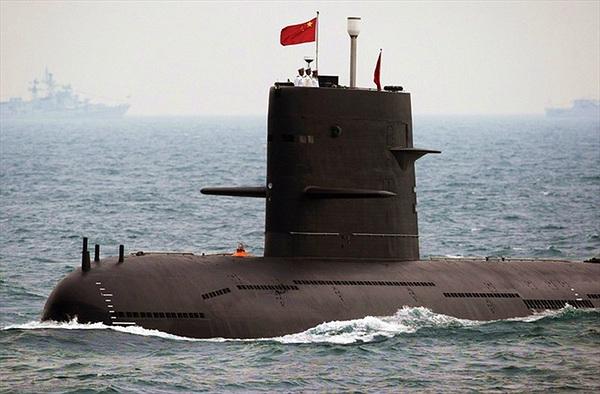 Hé lộ đường hầm chứa tàu ngầm tên lửa đạn đạo của Trung Quốc