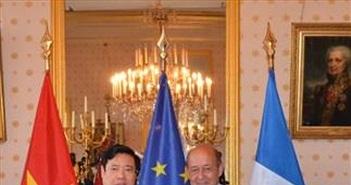 Việt Nam và Pháp tăng cường quan hệ quốc phòng
