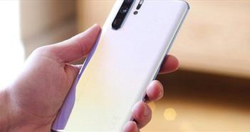 Mua smartphone Huawei được hoàn tiền nếu không chạy được Facebook và Google