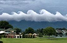 Sóng thần mây cuộn trào trên bầu trời Mỹ