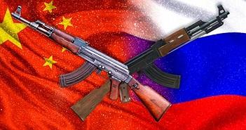 """""""Đại chiến"""" súng AK: Hàng của Nga hay Trung Quốc tốt hơn?"""