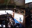Xem cánh tay robot điều khiển máy bay điêu luyện như phi công