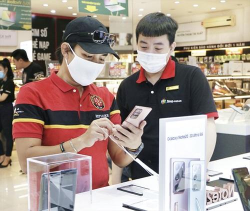 Hơn 7.000 khách đặt mua trước Galaxy Note20 Series tại FPT Shop