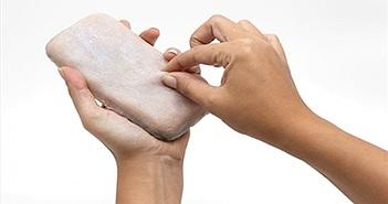 Smartphone có vỏ giống da người và biết rùng mình