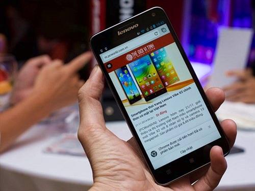 Cận cảnh smartphone Lenovo RocStar A319 sắp bán tại Việt Nam