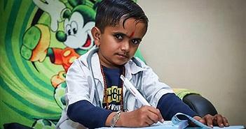 Chàng bác sĩ to bằng đứa trẻ, lập kỷ lục thế giới với điều...