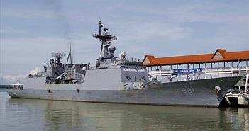 Khu trục hạm HQ vừa đến thăm VN bị đóng băng tại cảng Vladivostok
