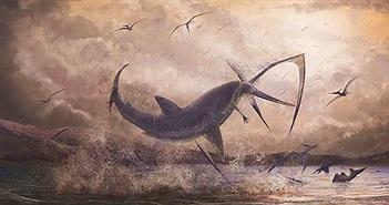 Bằng chứng cá mập cổ đại phi thân ngoạm cổ thằn lằn bay