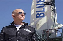 Jeff Bezos đang làm động cơ tên lửa quan trọng nhất thế kỷ