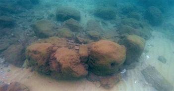 Tường chắn sóng 7.000 năm dưới biển Địa Trung Hải